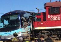 Choque de autobús con el tren deja 7 lesionados graves