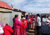 Entregan apoyos de FONDEN a colonia indígena
