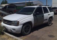 Aseguran vehículo robado con engomado de carro chueco
