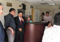 Vinculan a proceso al alcalde  Carlos Tena por engomado ilegal para chuecos
