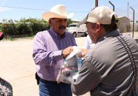 Carlos Tena realiza gira por Rubio, entrega despensas y asume compromisos