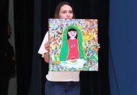 Subastan pinturas creadas por adultos mayores a beneficio de la Casa del Abuelo