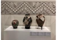 Exponen en Los Pinos CDMX, cerámica ralámuli, menonita y de Paquimé