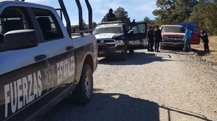 Reportan dos muertos y vehículos quemados tras enfrentamiento en Madera