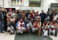 Alcalde de Cuauhtémoc entrega a 323 trabajadores del Municipio, uniformes