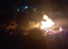Incendian viviendas y vehículos en Las Pomas, Madera