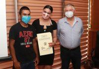 Entregan títulos de propiedad en Cuauhtémoc