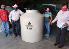 Sigue la entrega de tinacos en Cuauhtémoc